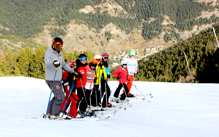 agora-international-school-andorra_ski-school_vivencia-activa